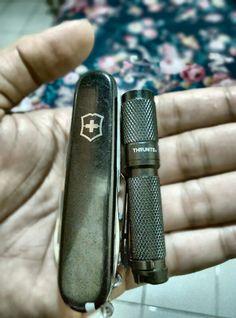 My stuff who never forget to put in my pocket. #Victorinox & flashlight thrunite #ti3