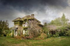 An overgrown and abandoned house in Belgium. It looks so enchanting!
