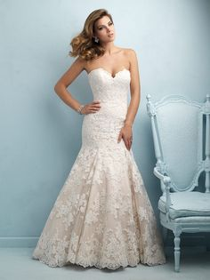 allure-bridals-9215-lace-wedding-dress-strapless-sweetheart-bust-fit-and-flare-chapel-train-mermaid-silhouette