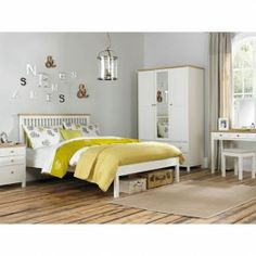 £169.99 - Atlanta Two Tone Bed is a high quality solid American oak bed frame offered in a choice of three different size options; choose from either single, double or king size by way of the drop-down menu. This excellent quality low foot end bedstead offers a unique combination of a classic style with a contemporary twist and offers a well built and sturdy frame, complete with a sprung slatted base to give the ultimate in support and comfort.