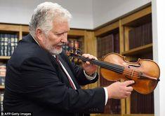 Stolen Ames Stradivarius violin is recovered after 35 years Antonio Stradivari, Stradivarius Violin, Violin Case, Do Re Mi, Farm Hero Saga, Metropolitan Museum, Musical Instruments, Guitars, Violin