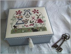 Grille « Alice » de Tralala  Boîte Alice 006