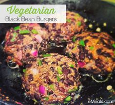 These #cleaneating black bean burgers were a hit! They've been super popular on our Instagram feed and we just had to share the recipe with everyone! #vegetarian