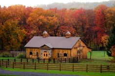 LOVE the color of this barn! Fall color provides a pleasing background for this lovely barn. Country Barns, Old Barns, Country Life, Small Horse Barns, Country Living, Country Roads, Fresh Farmhouse, Barns Sheds, Dream Barn