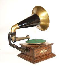 1903 Zon-O-Phone Rear Mount Parlor Phonograph / eBay