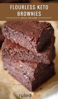 An easy flourless keto brownies recipe. This makes a great dessert or just as a low carb snack. #ketodiet #ketorecipes #ketogenicdiet