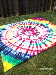 b02286a36ea1 Tie dye sheet for backdrop of photo booth Diy Tie Dye Blanket