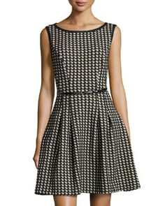 T97C0 Max Studio Houndstooth-Design Knit Dress, Navy/Black