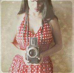 Carmen Moreno, vintage, Hasselblad, vintage camera, self-portrait (I have an old camera for this shot)