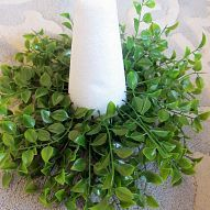 Topiaries==Step by step tutorial on how to make a topiary out of faux greens and… :: Hometalk Outdoor Topiary, Topiary Trees, Porch Topiary, Topiary Decor, Coffee Filter Crafts, Garden Globes, Christmas Ornament Wreath, Faux Plants, Crafts To Do
