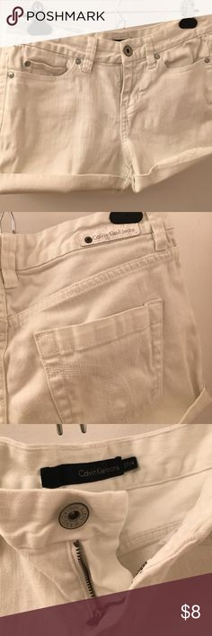 White denim shorts Calvin Klein Cute white shorts. Frayed cuffs that are tacked up on the sides so you can see fray or fold once for a cleaner look. 27 /4 No marks or wear Calvin Klein Jeans Shorts