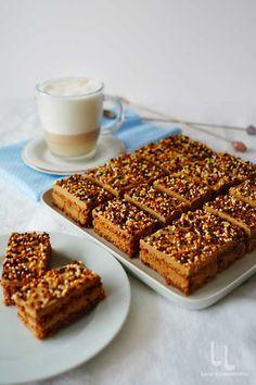 Prăjitură cu cremă de ness și blat de bezea cu nucă   Laura Laurențiu Baking Recipes, Cake Recipes, Food Cakes, Sweet Cakes, No Bake Cake, Granola, Nutella, Banana Bread, Bacon