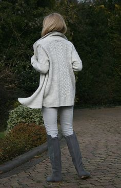 Kodiak by Paulina Popiolek ~ Aran 10ply ~ bottom up knit