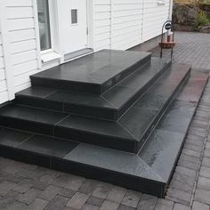 Offerdal slate as stair cladding www. Patio Steps, Outdoor Steps, Outdoor Step Tiles, Front Porch Steps, Front Stairs, House Stairs, Porch Stairs, Concrete Front Steps, Brick Steps
