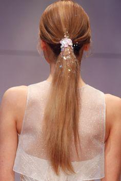 Wedding hairstyles // sleek ponytail