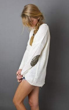 Sequin Elbow Patch Sweater from American Threads. Saved to Clothing. Elbow Patch Sweater, Elbow Patches, Pretty Outfits, Cute Outfits, Pretty Clothes, Trendy Online Boutiques, Living In London, American Threads, Fall Winter Outfits
