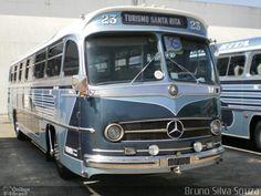 Ônibus da empresa Turismo Santa Rita, carro 23, carroceria Mercedes-Benz Monobloco O-321, chassi Mercedes-Benz O-321.