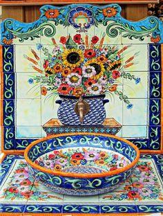Pottery & tiles from Boleslawiec, Poland, Talavera Pottery, Ceramic Pottery, Mexican Kitchens, Mexican Kitchen Decor, Polish Folk Art, Rustic Bathroom Decor, Polish Pottery, Jolie Photo, Mexican Style