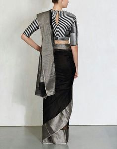 linen saree with silver zari border and silver colour striped blouse Sari Blouse Designs, Saree Blouse Patterns, Saree Styles, Blouse Styles, Saree Jackets, Indian Attire, Indian Wear, Indian Outfits, Geek Outfit