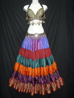 Oh, this skirt!  From Magical Fashions.