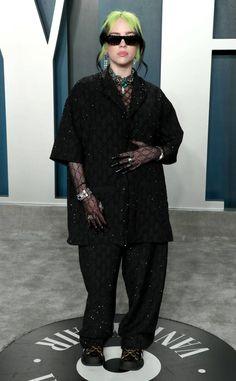 Billie Eilish from 2020 Vanity Fair Oscars After-Party - ImPane Billie Eilish, Lily Aldridge, Gucci, Oscars, Looks Street Style, Vanity Fair Oscar Party, Red Carpet Looks, Red Carpet Fashion, Wearing Black