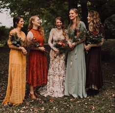 25 Beautiful mismatched bridesmaid dresses for a significant day - bridesmaid dr. - 25 Beautiful mismatched bridesmaid dresses for a significant day – bridesmaid dress inspiration Source by sillyholmberg - Wedding Bells, Boho Wedding, Dream Wedding, Wedding Day, Fall Color Wedding, Fall Wedding Hair, Trendy Wedding, Fall Wedding Attire, Rustic Wedding