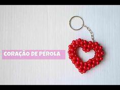 Coração de Pérola - YouTube Beaded Brooch, Beaded Earrings, Crochet Earrings, Beaded Jewelry Patterns, Beading Patterns, How To Tie Gele, Beaded Crafts, Diy Crafts Hacks, Diy Keychain