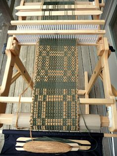 FarmNana's Fiber Frenzy: Rigid Heddle Summer Winter Weave!