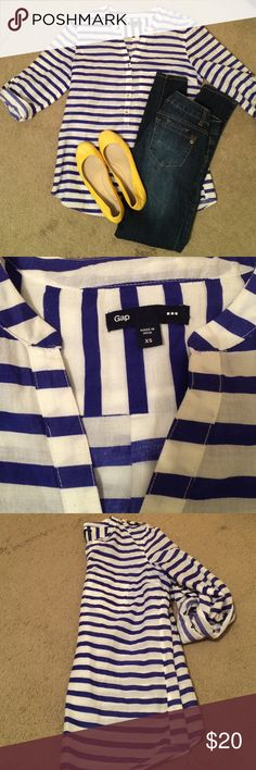 Blue and White Stripe Gap Tunic Perfect for summer! Blue and white stripe tunic from the gap. Light linen material. Women's size XS. Shoes also for sale! GAP Tops Tunics