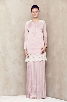 Baju Kurung with Inverted Scallop Lace - Dusty Pink