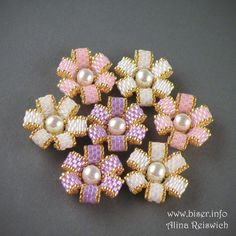 Free tutorial to make these beaded flowers - requires translation - good pictures.