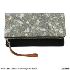 Wild Little Daisies Clutch