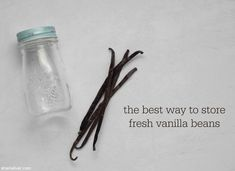 I LOVE this quick and easy tip to store vanilla beans! Vanilla Beans, Kitchen Hacks, Food Storage, Vodka, Herbalism, Favors, Alcohol, Herbs, Baking