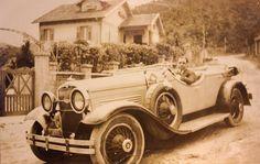 Sítio na Praia de Copacana em 1920. Carro Cadillac Fleetwood