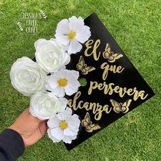 Graduation Cap And Gown, Graduation Party Planning, Graduation Cap Toppers, Graduation Cap Designs, Graduation Cap Decoration, Graduation Celebration, Graduation Party Decor, Graduation Caps, Grad Cap