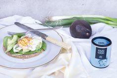 Der Nährstoff Booster schlechthin: Pochiertes Ei auf Avocado Toast. Mit dem Thermomix sind die verlorenen Eier ratzfatz zubereitet.