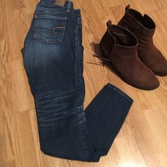 American Eagle Jean jeggings. American Eagles super stretch jegging, ankle cut with real cute post ware marking.Great condition. American Eagle Outfitters Pants