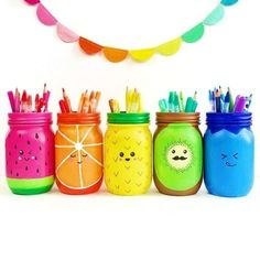Rainbow Fruit Mason Jar Craft Mason jars are a great painting . - Rainbow Fruit Mason Jar Craft Mason jars are a great painting canvas for all kind - Kids Crafts, Summer Crafts, Cute Crafts, Craft Projects, Rock Crafts, Sewing Projects, Pot Mason Diy, Mason Jar Crafts, Crafts With Jars