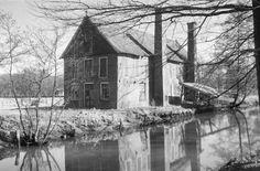 Bleekhuis Winterswijk  wij hebben hier een grote linnenkist gekocht 1975 .