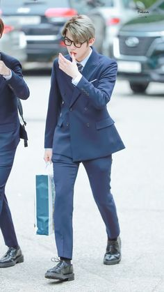 That tounge of yours will be the death of meee Choi Daniel, Sailor Moon Wallpaper, The Dream, Airport Style, Airport Fashion, Kpop Fashion, Fandoms, Wattpad, Guys