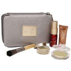 jane iredale Starter Kit-Light ($55) ❤ liked on Polyvore featuring beauty products, makeup, face makeup, beauty, make up purse, travel toiletry case, jane iredale, cosmetic purse and jane iredale makeup