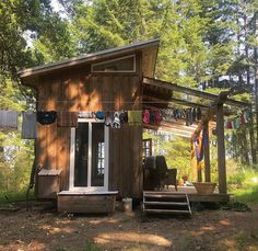 The Best Travel Friendly Tiny House Small Tiny House, Tiny House Cabin, Micro House, Tiny House Living, Tiny House Plans, Modern House Plans, Cabin Homes, Tiny Homes, Shed Design