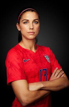 World Soccer News Soccer News, Nike Soccer, Soccer Cleats, Soccer Usa, Soccer Stuff, Carli Lloyd, Alex Morgan Soccer, Barcelona Soccer, Fc Barcelona