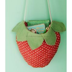Quilted strawberry bag - charlaanne.etsy.com