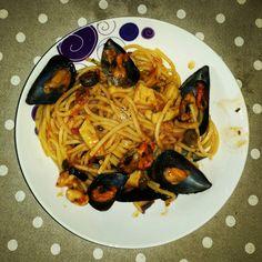 Spaghetti cozze seppie moscardini pomodoro Spaghetti, Ethnic Recipes, Food, Meal, Eten, Meals, Noodle