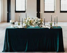 Emerald velvet table linens are ideal for wedding table decorations and made velour fabric. Velvet linens are ideal for tablescape and sweetheart table decor. Wedding Tablecloths, Wedding Table Linens, Wedding Tables, Bridal Table, Green Tablecloth, Deco Table Noel, Emerald Green Weddings, Small Intimate Wedding, Small Weddings