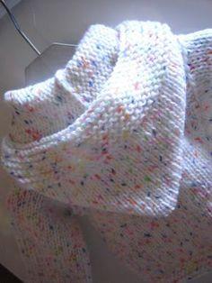 Paletot (3) Il y a une autre jolie jaquette.....à fouiller et ouvrir sous clic-clic Baby Knitting Patterns, Youtube Crochet Patterns, Chevron Crochet Patterns, Knitting Stitches, Baby Patterns, Crochet Cable Stitch, Knitted Baby Cardigan, Crochet Baby Clothes, Easy Knitting