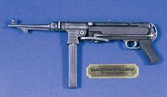 Verlinden Productions WWII MP40 German Machine Gun -- Plastic Model Weapon -- 1/4 Scale -- #2544