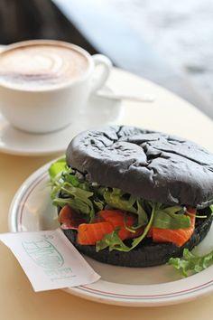 『ハロウインカラーのサンドイッチ』