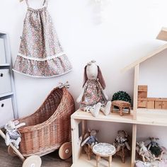 The place where wicker appears in a new fashion style. Dolls Prams, Pink Bedding, Dog Carrier, Lavender Color, Bassinet, New Fashion, Wicker, Vintage Items, Trending Outfits